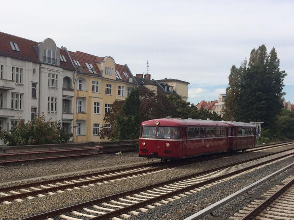 Historischer Schienenbus der Berliner Eisenbahnfreunde auf dem Berliner Innenring
