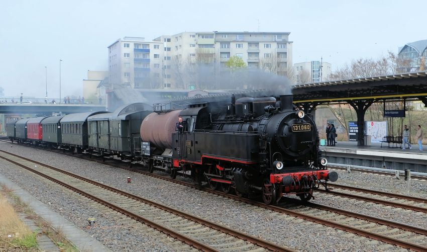 131.060 mit Museumszug der Berliner Eisenbahnfreunde in Berlin Halensee