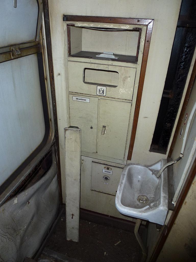 Originaleinrichtung Toilette Wagen 20