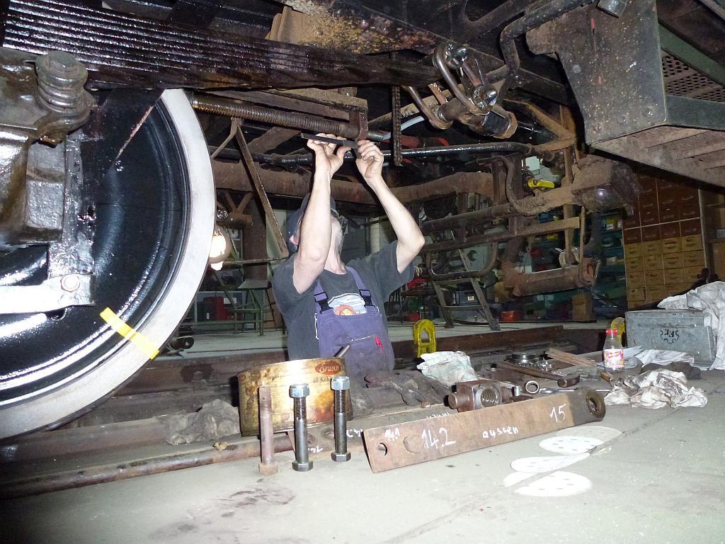 Arbeiten an der Handbremse Wagen 30