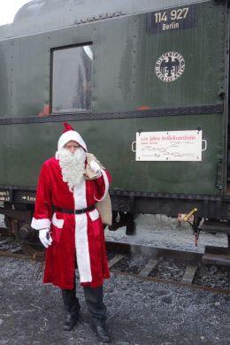 Der Weihnachtsmann bei den Berliner Eisenbahnfreunden