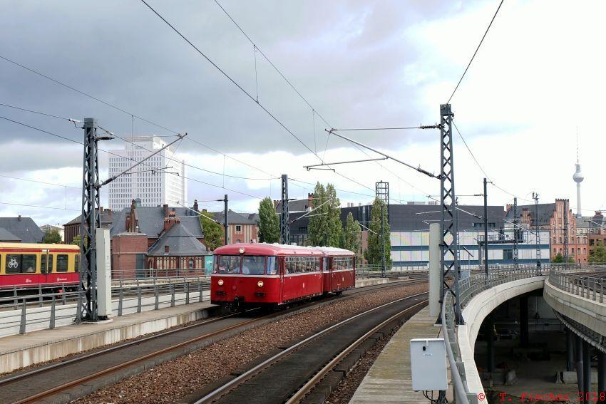 VT95 9396 mit VB142 307 bei der Einfahrt in den Berliner Hbf am 3.10.2018
